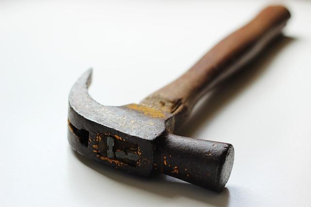hammer-451987_640